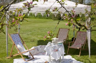 Hire deckchairs, pavilions, bunting, cushions & throws