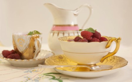 beautiful Elsie Florence vintage tea cups used for a wedding pudding
