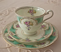 Vintage China Tea Cup/Saucer/Side Plate