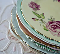 Vintage Hamper Side Plates