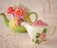 china teapots for flower arrangemants to hire from Elsie Florence